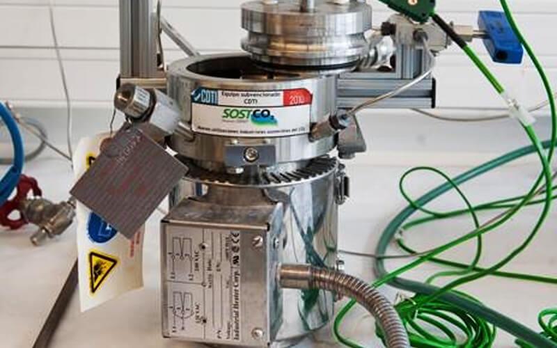 Reactor para llevar a cabo el reciclaje químico. / Residuos Profesional