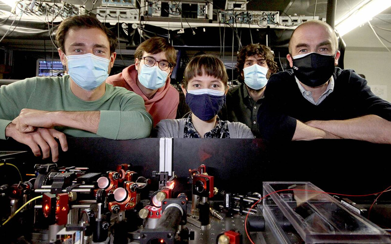 Investigadores del Instituto de Ciencias Fotónicas / ICFO