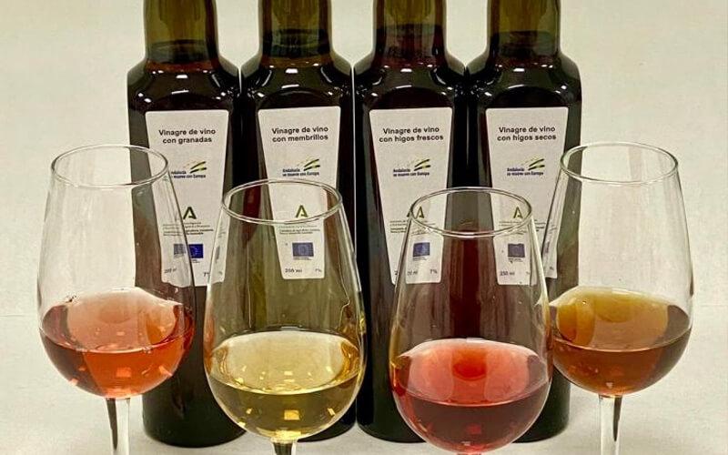 Elaboran una gama de vinagres de vino con frutas naturales